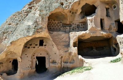 ihlara canyon selime cappadocia